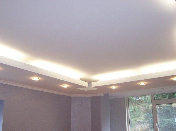 Гипсокартонный потолок с точечным освещением