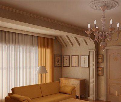 Грубая потолочная балка с помощью гипсокартона превращена в элегантную арку