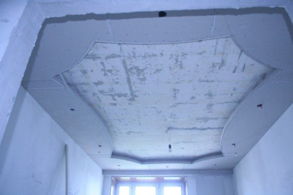 монтаж потолка из гипсокартона с подсветкой