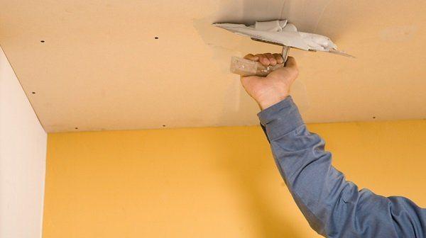 на потолке из гипсокартона трещины