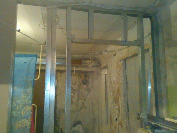 От прочности каркаса зависит прочность дверной конструкции в целом.