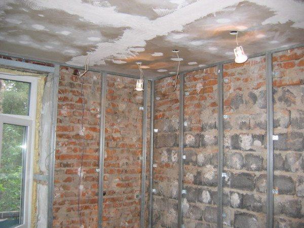 Стены должны быть очищены от старых строй материалов