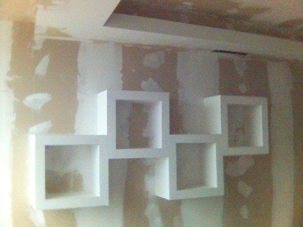 Установка фигурных полок на стену из ГКЛ
