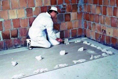 Установка отделки на кирпичные стены
