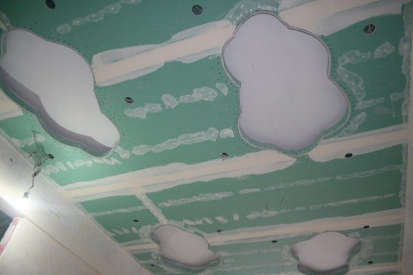 узоры из гипсокартона потолков