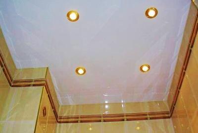 в ванной потолок из гипсокартона