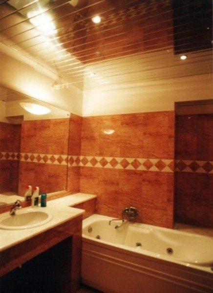 Ванная комната облицованная с применением устойчивого в воздействию влаги гипсокартона