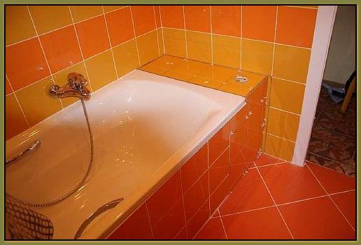 Ванная с обустроенным экраном